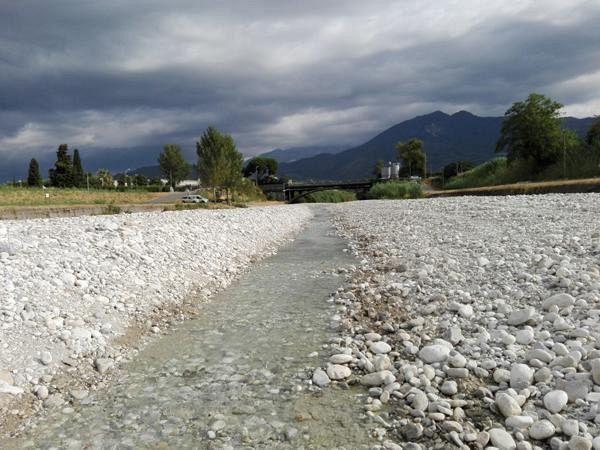 Crisi idrica sospesi i prelievi dal lago di massaciuccoli for Cabina nel noleggio lago tahoe