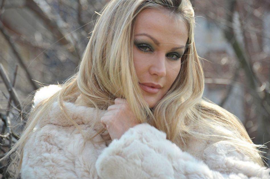 Eva henger al sexy disco penelope cultura pontedera - Diva futura hot ...