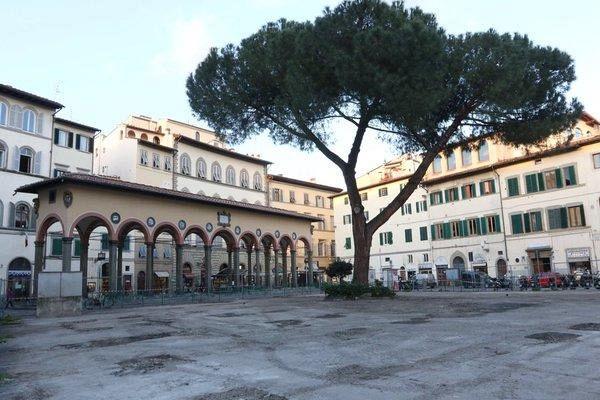 Firenze i residenti ricordano piazza dei ciompi nove da for Piazza dei ciompi