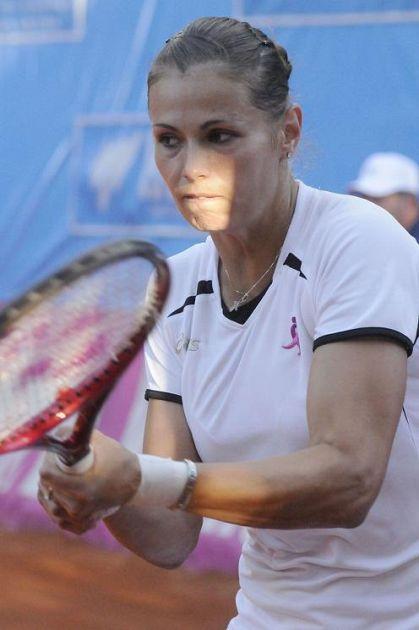 Itf monteroni d 39 arbia la romena di bagno a ripoli liana ungur la vincitrice sport tennis - Bagno a ripoli cap ...