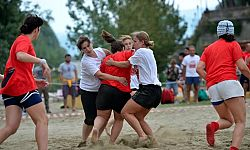 Beach Rugby in riva all'Arno