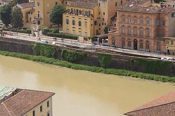 Cedimento a Lungarno Torrigiani: lunedì il dibattito sull'emergenza e la manutenzione in Consiglio comunale