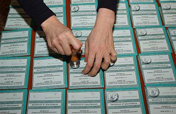 Ufficio Anagrafe A Firenze : Cittadinanza facile a rignano indagato impiegato comunale