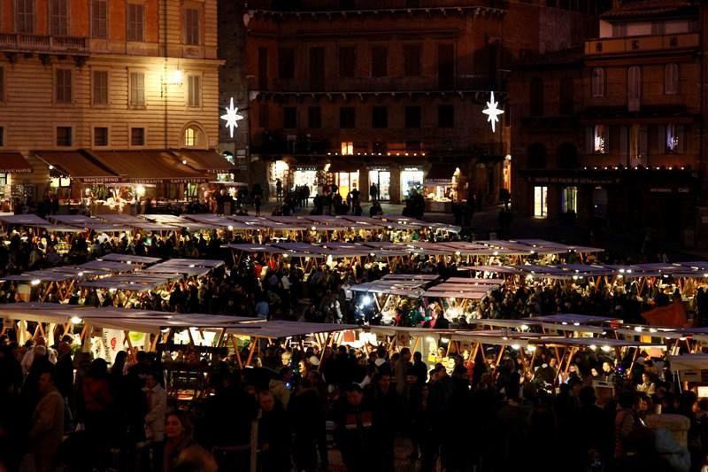 L 39 atmosfera di natale arrivano i mercatini in toscana for Mercatini antiquariato toscana